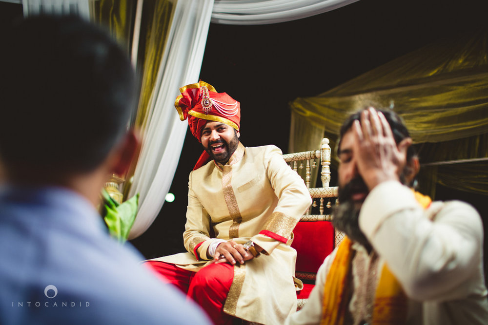 mumbai-pheras-intocandid-wedding-photography-ps-30.jpg