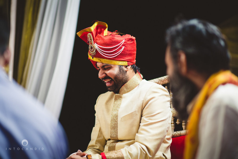 mumbai-pheras-intocandid-wedding-photography-ps-32.jpg