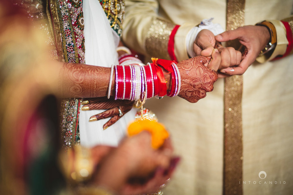 mumbai-pheras-intocandid-wedding-photography-ps-44.jpg