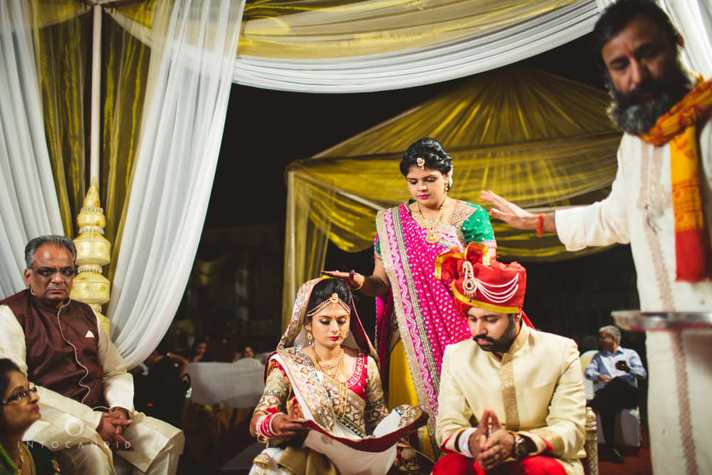 mumbai-pheras-intocandid-wedding-photography-ps-46.jpg
