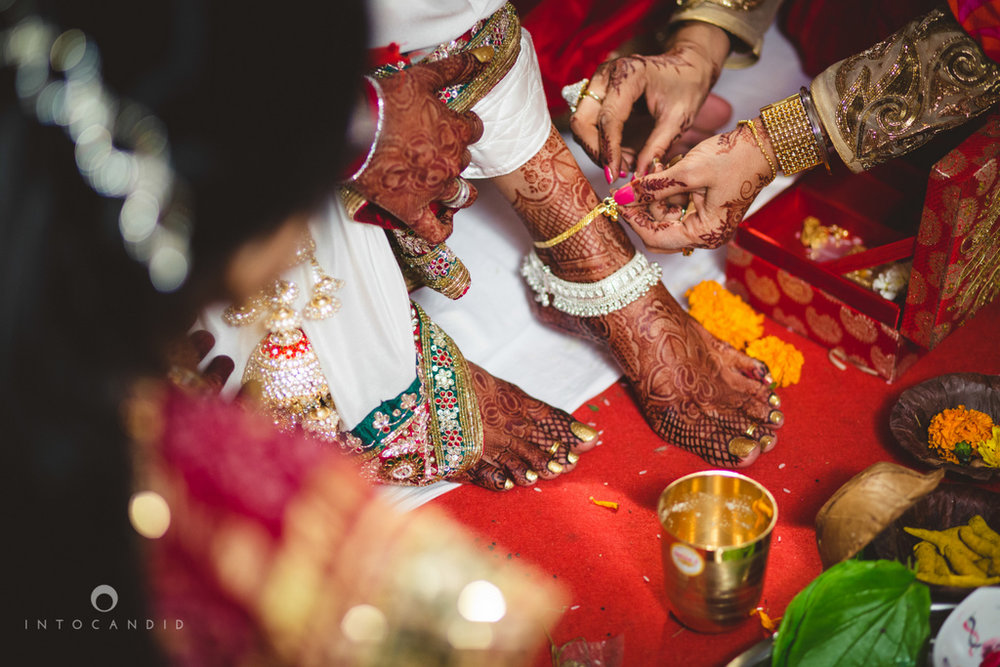 mumbai-pheras-intocandid-wedding-photography-ps-49.jpg