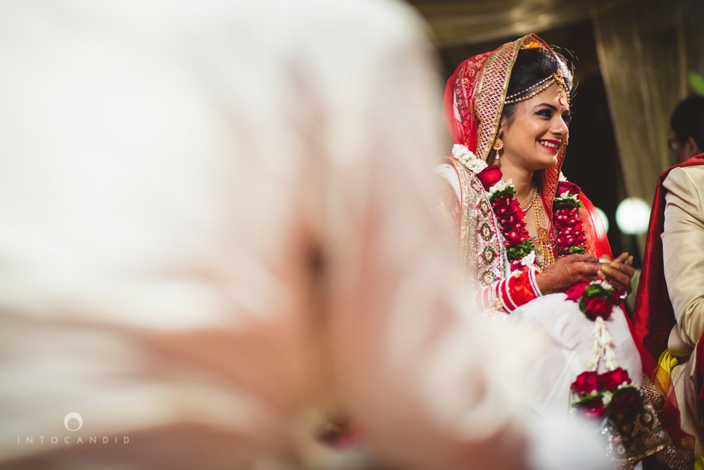 mumbai-pheras-intocandid-wedding-photography-ps-56.jpg