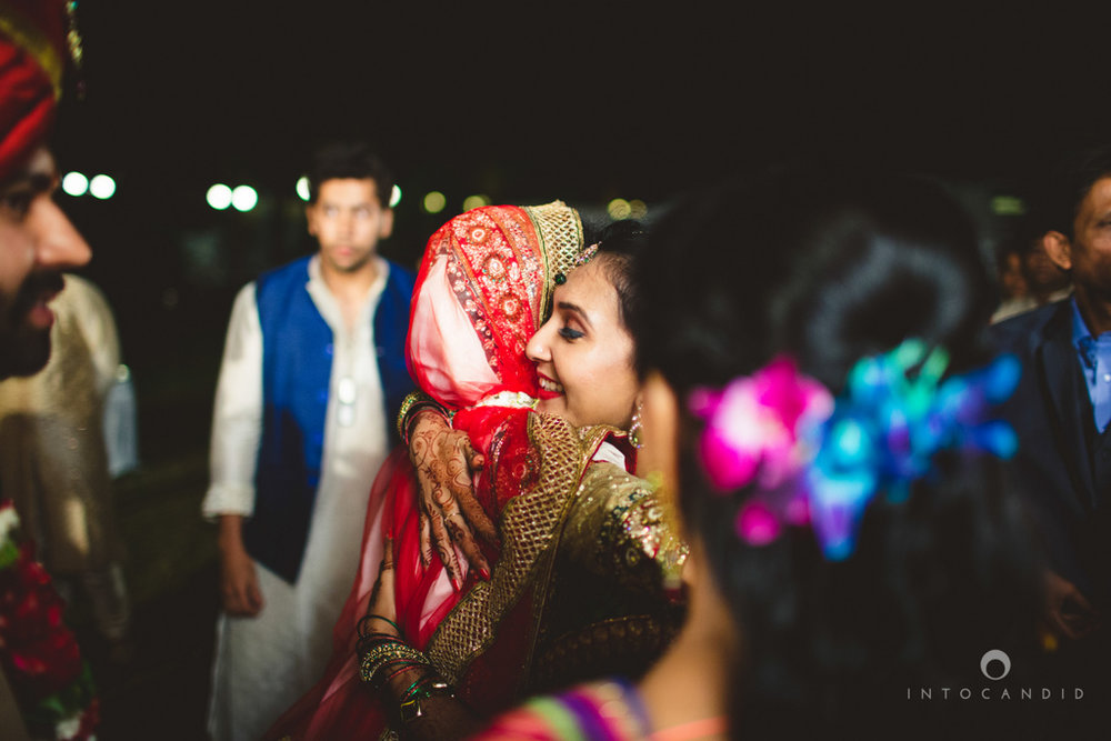 mumbai-pheras-intocandid-wedding-photography-ps-68.jpg