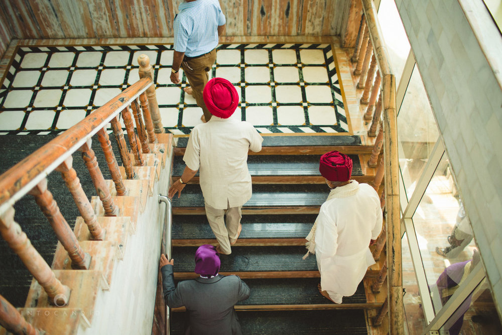 gurudwara-wedding-mumbai-photography-candid-jv-41.jpg