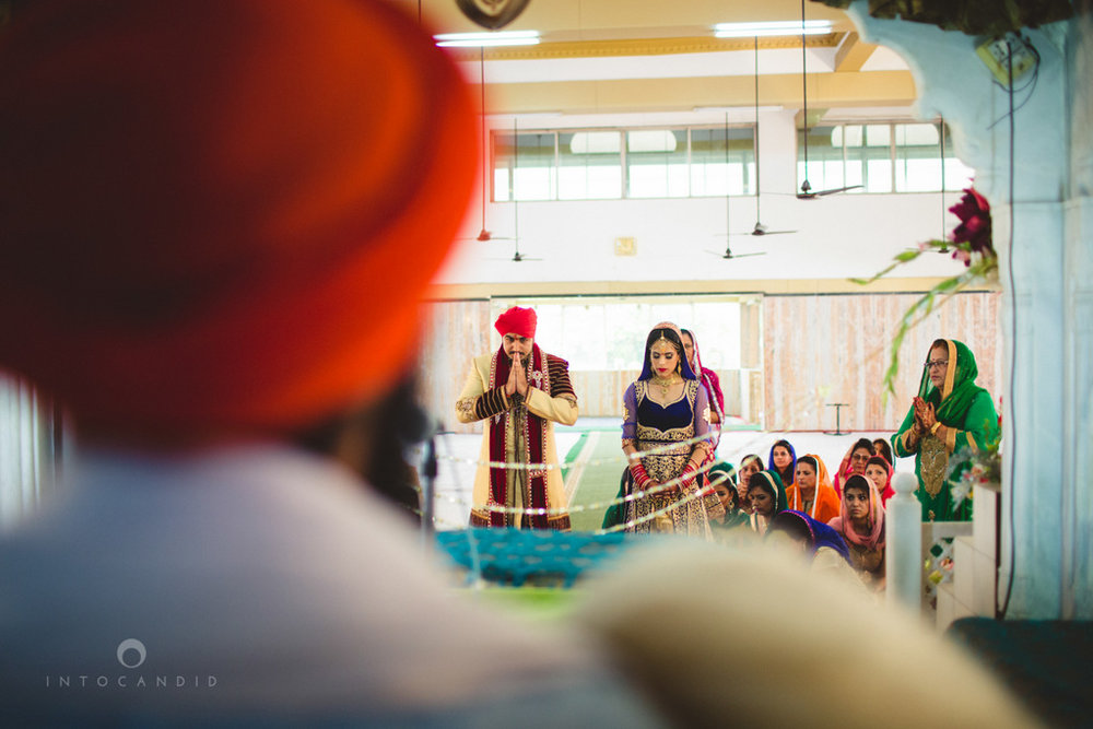 gurudwara-wedding-mumbai-photography-candid-jv-47.jpg
