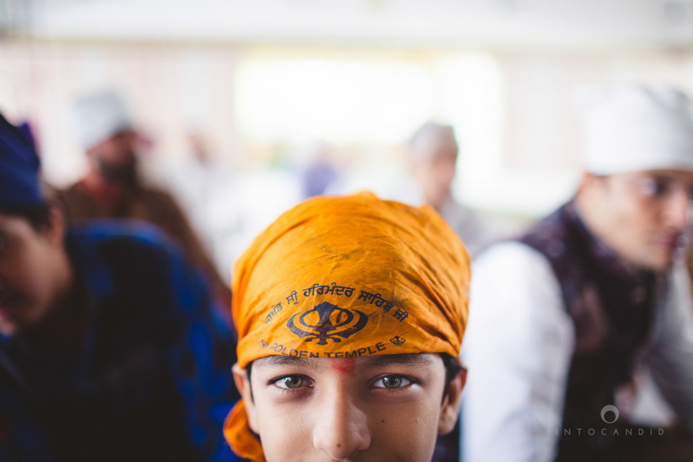 gurudwara-wedding-mumbai-photography-candid-jv-49.jpg