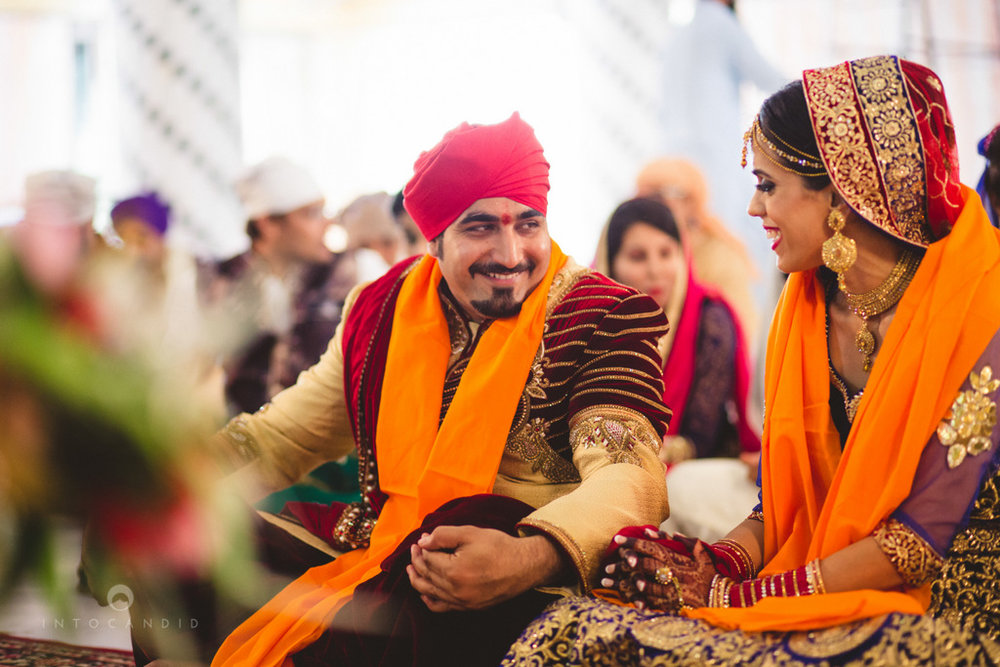 gurudwara-wedding-mumbai-photography-candid-jv-64.jpg
