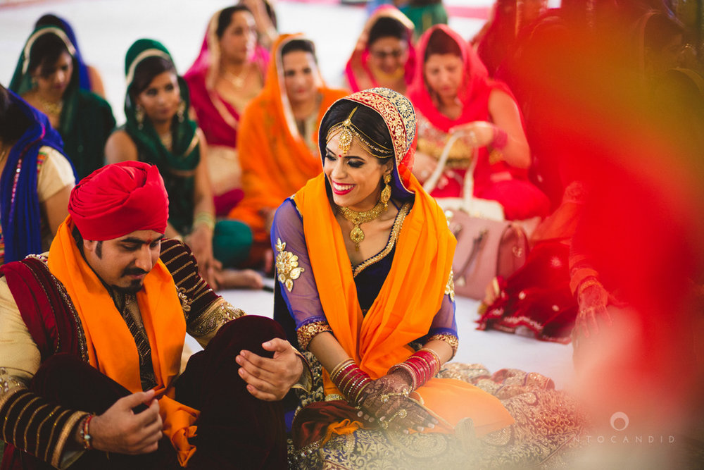 gurudwara-wedding-mumbai-photography-candid-jv-65.jpg