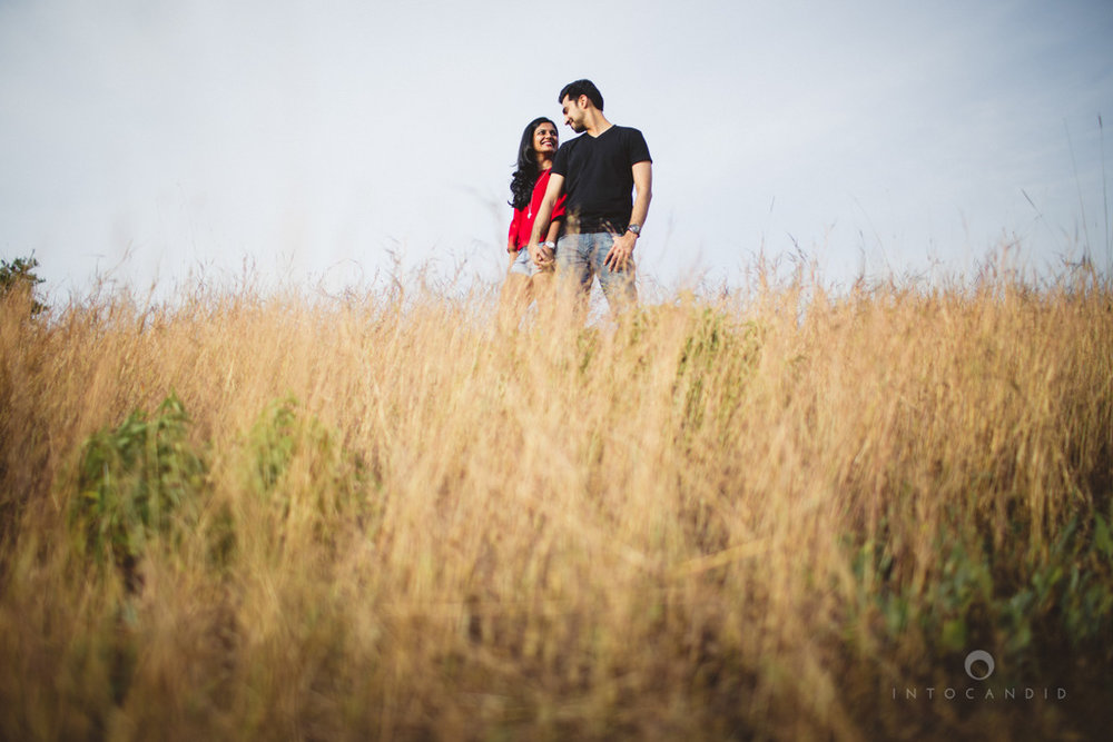 lonavala-prewedding-couple-session-candid-photogaphy-wedding-photography-destinationwedding-ag-12.jpg