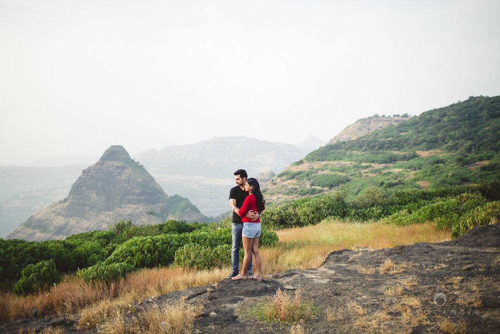 lonavala-prewedding-couple-session-candid-photogaphy-wedding-photography-destinationwedding-ag-17.jpg