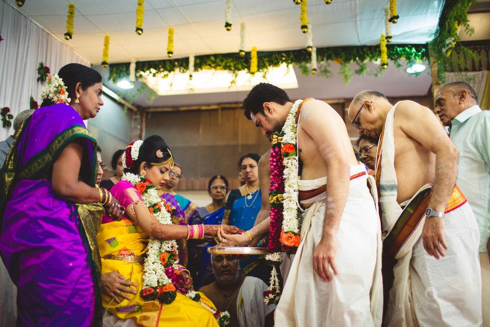 mumbai-wedding-photography-intocandid-southindian-wedding-photographer-ag-39.jpg