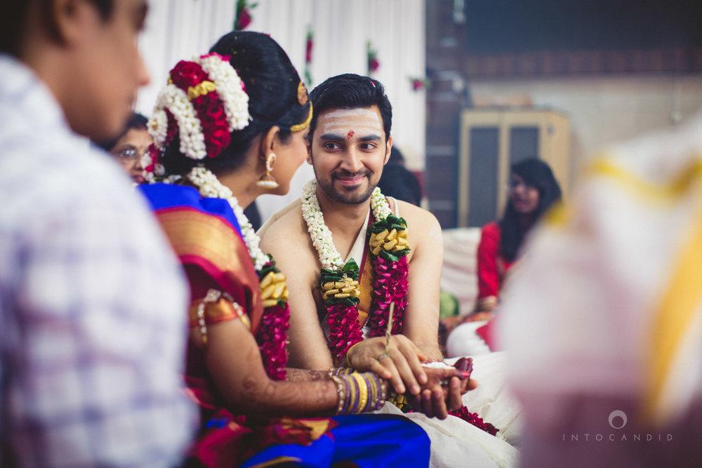 mumbai-wedding-photography-intocandid-southindian-wedding-photographer-ag-60.jpg