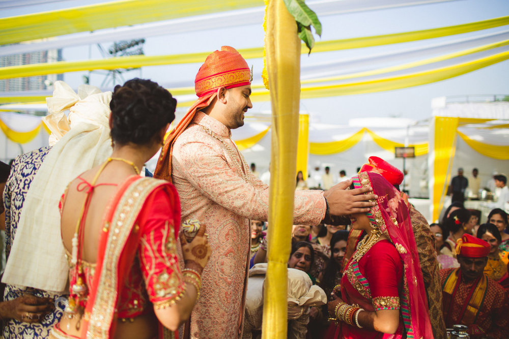 mumbai-gujarati-wedding-photographer-intocandid-photography-tg-047.jpg