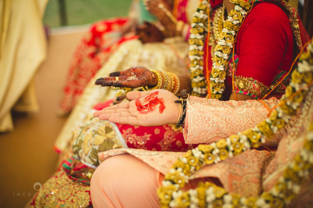 mumbai-gujarati-wedding-photographer-intocandid-photography-tg-059.jpg