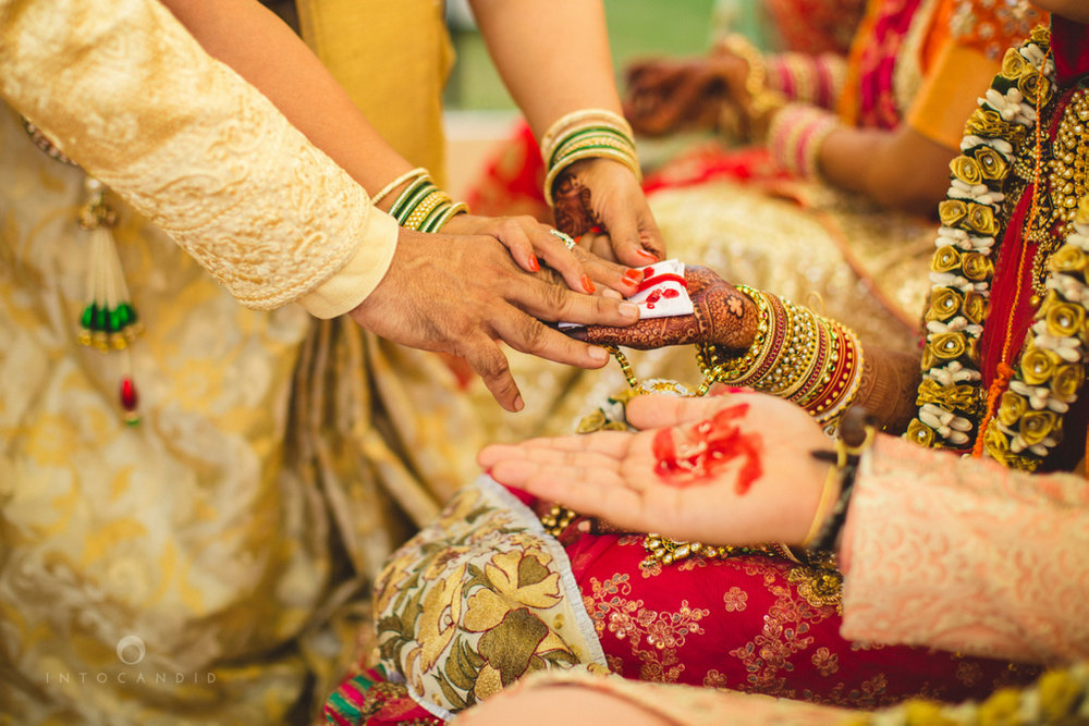 mumbai-gujarati-wedding-photographer-intocandid-photography-tg-061.jpg