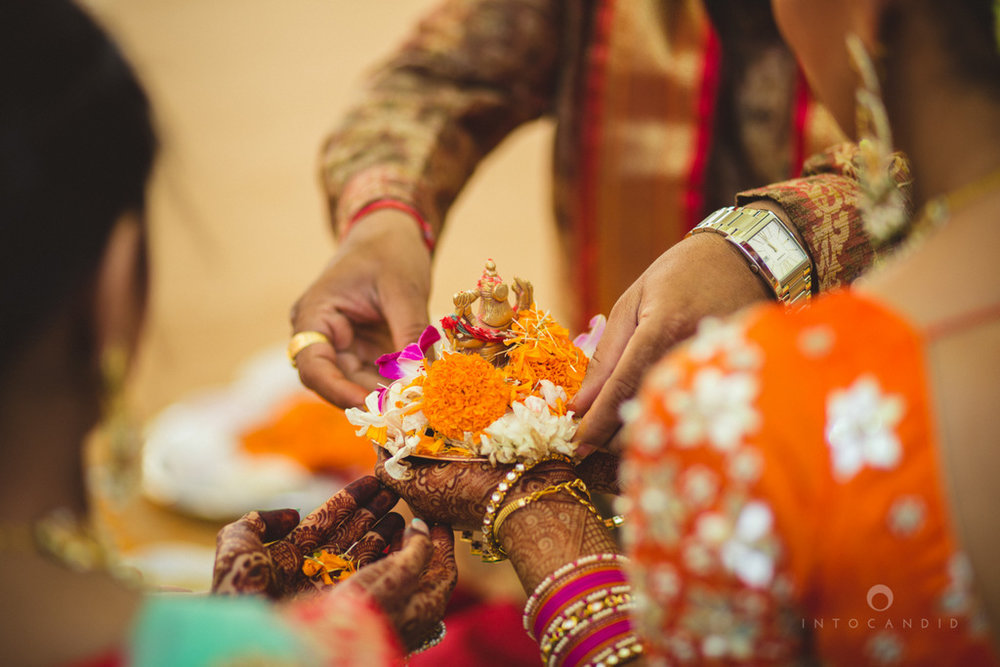 mumbai-gujarati-wedding-photographer-intocandid-photography-tg-074.jpg
