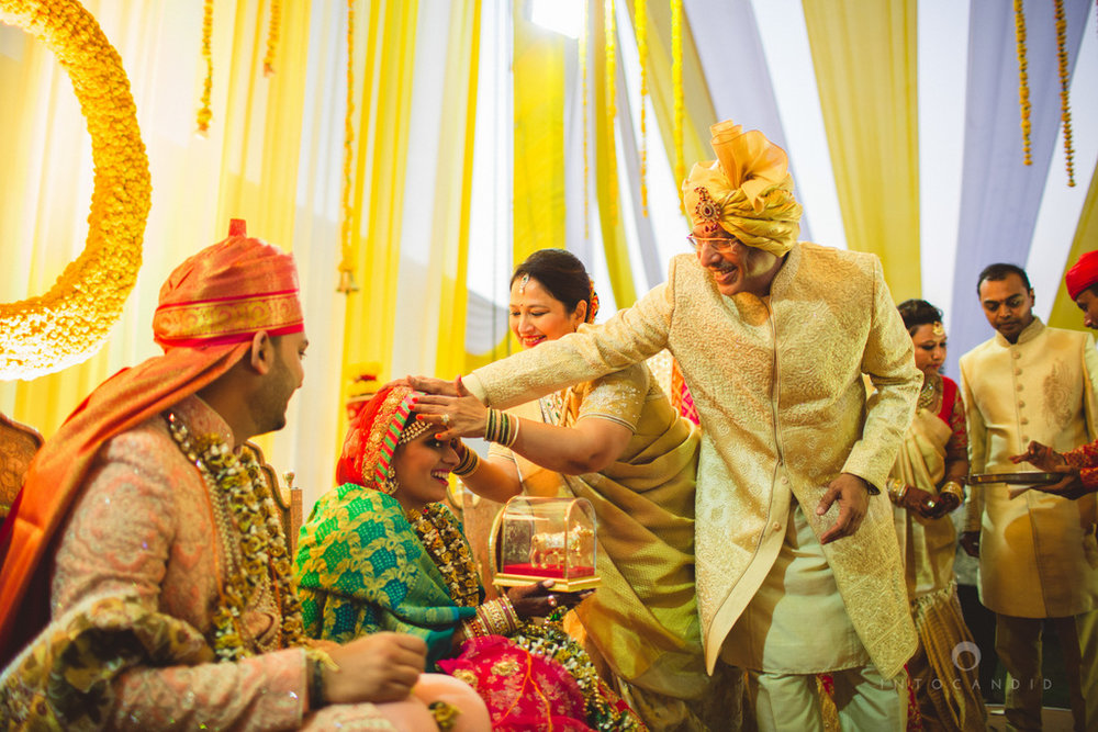 mumbai-gujarati-wedding-photographer-intocandid-photography-tg-092.jpg