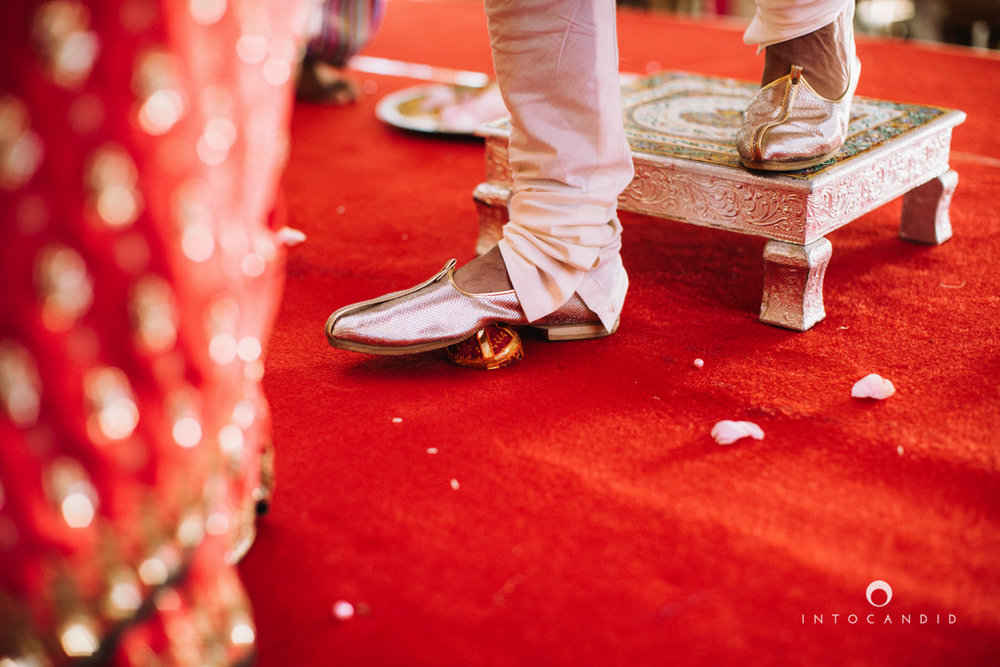 leela-kovalam-wedding-destination-indian-wedding-photography-intocandid-ra-39.jpg