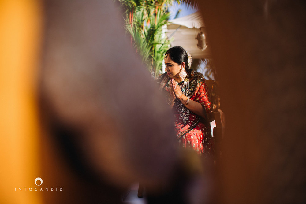 leela-kovalam-wedding-destination-indian-wedding-photography-intocandid-ra-45.jpg