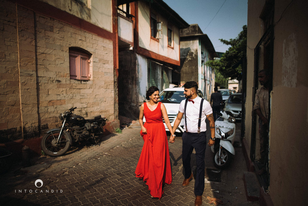 mumbai-street-prewedding-session-intocandid-wedding-photographer-ankitavikrant-01.jpg