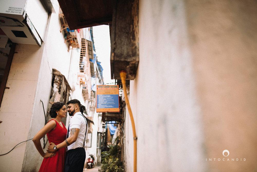 mumbai-street-prewedding-session-intocandid-wedding-photographer-ankitavikrant-03.jpg