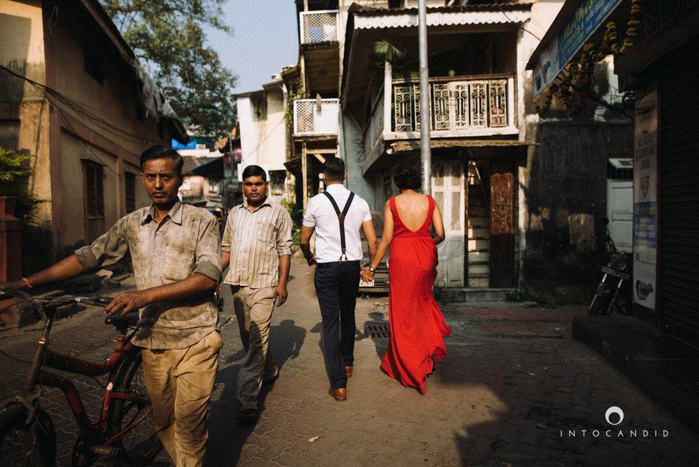 mumbai-street-prewedding-session-intocandid-wedding-photographer-ankitavikrant-11.jpg