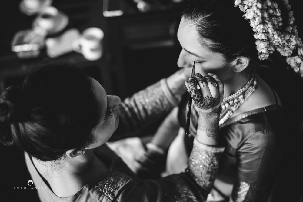 mumbai-wedding-photographers-intocandid-maharashtrian-wedding-photography-sa-05.jpg