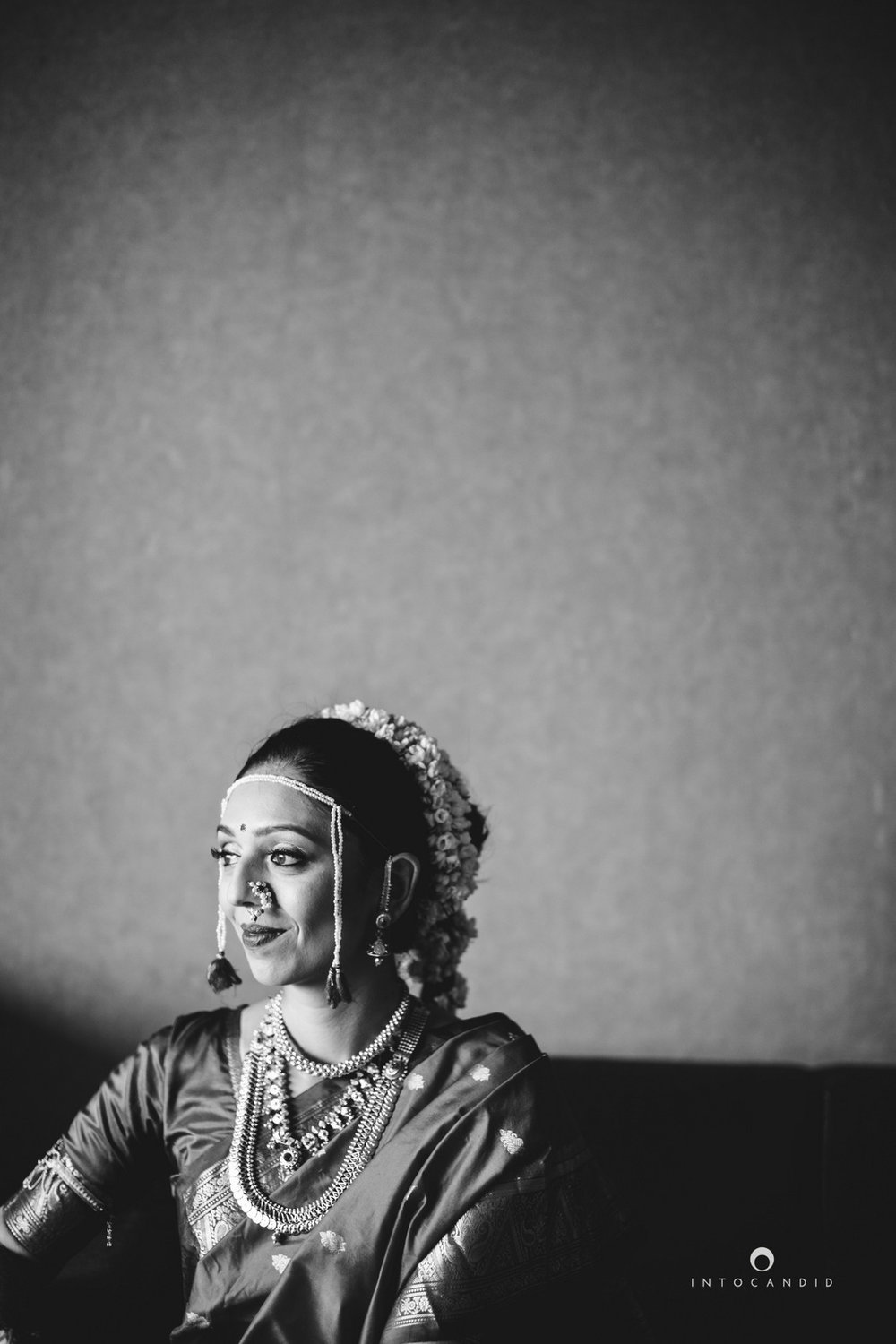 mumbai-wedding-photographers-intocandid-maharashtrian-wedding-photography-sa-12.jpg