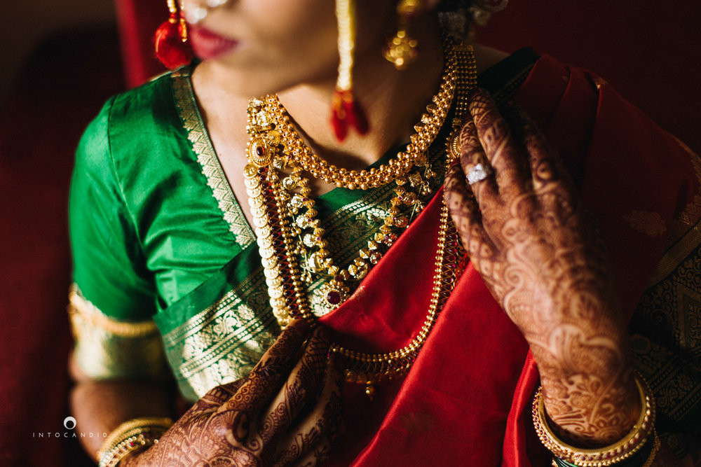 mumbai-wedding-photographers-intocandid-maharashtrian-wedding-photography-sa-13.jpg