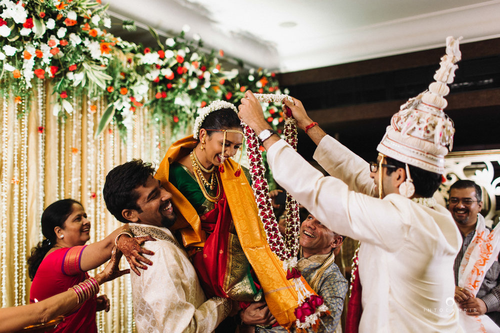 mumbai-wedding-photographers-intocandid-maharashtrian-wedding-photography-sa-21.jpg