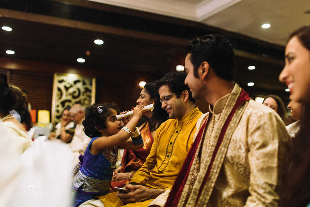 mumbai-wedding-photographers-intocandid-maharashtrian-wedding-photography-sa-30.jpg