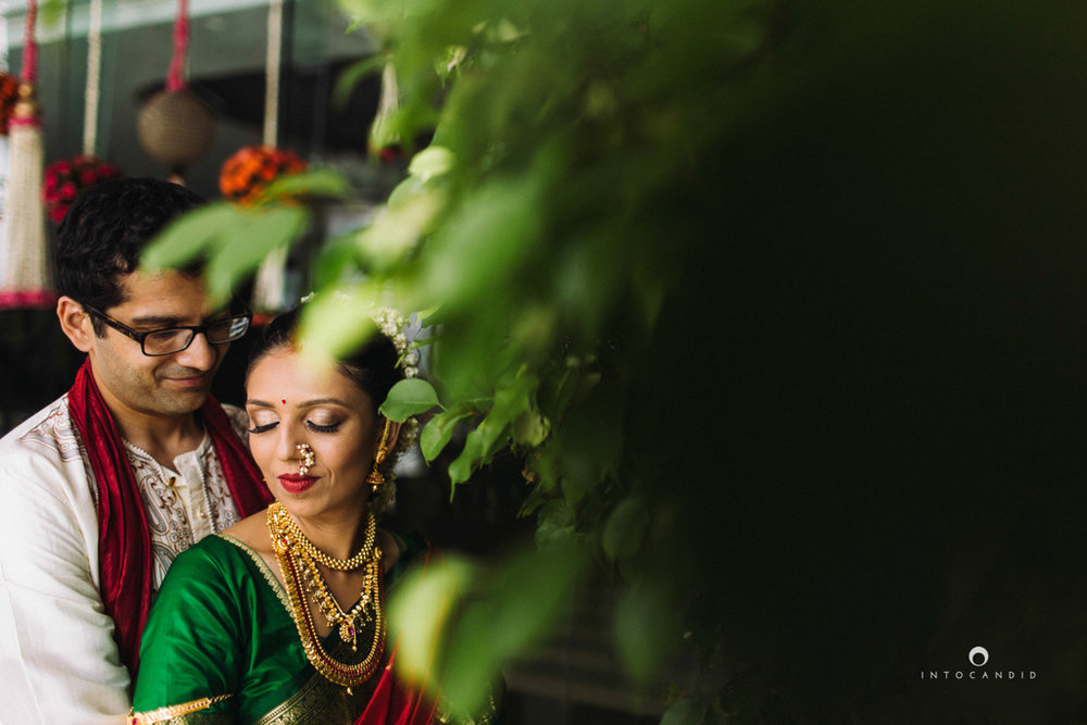 mumbai-wedding-photographers-intocandid-maharashtrian-wedding-photography-sa-34.jpg