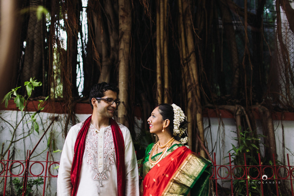 mumbai-wedding-photographers-intocandid-maharashtrian-wedding-photography-sa-37.jpg