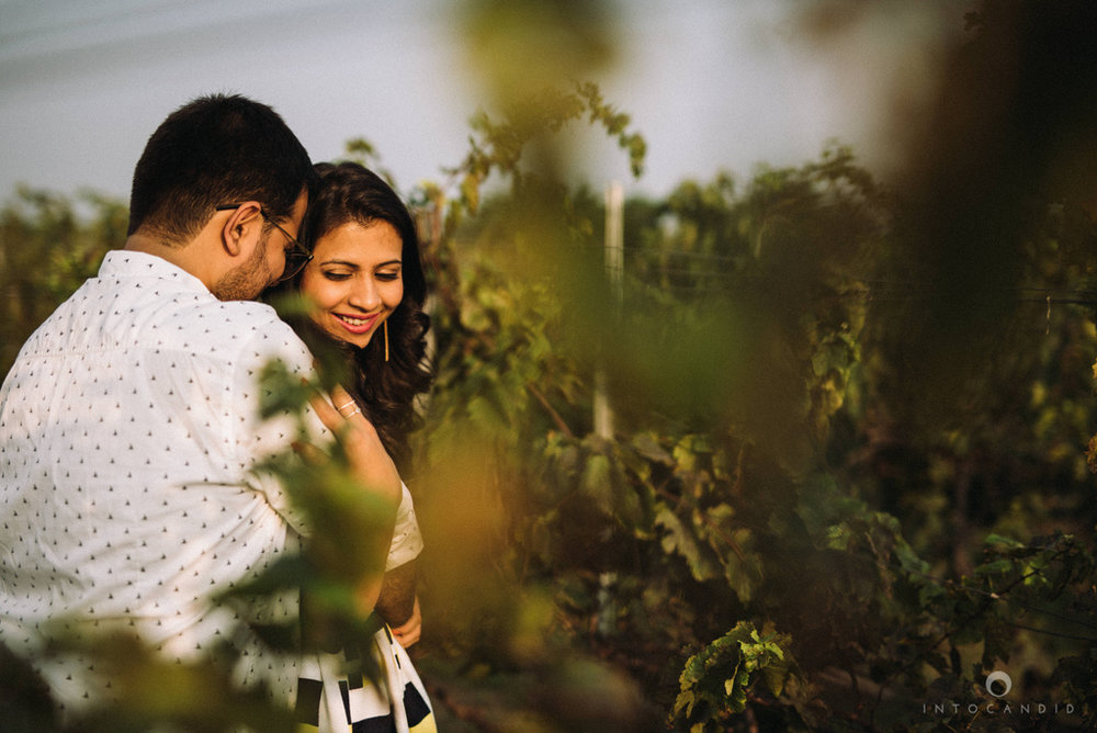 vineyardprewedding-coupleshoot-intocandid-photography-destination-wedding-photographer-08.jpg