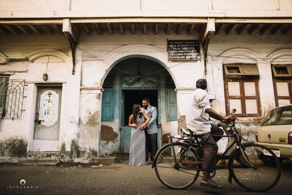 candid-wedding-photographer-mumbai-candid-wedding-photography-couple-shoot-prewedding-17.jpg