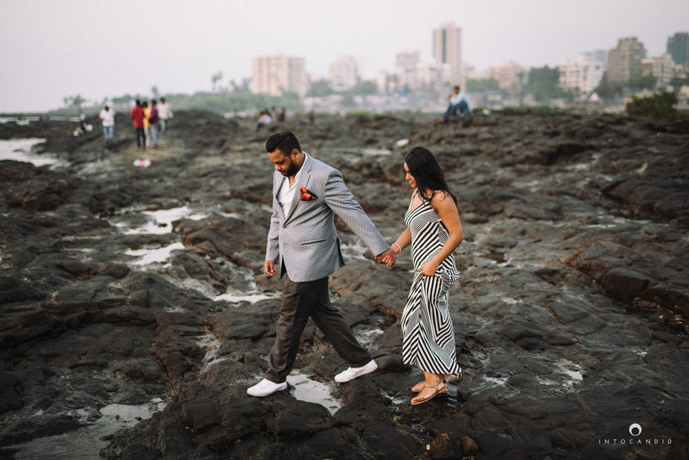 candid-wedding-photographer-mumbai-candid-wedding-photography-couple-shoot-prewedding-24.jpg