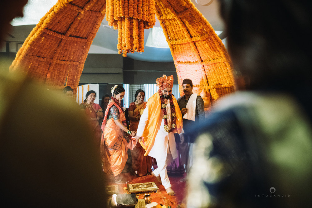 mumbai_marathi_wedding_photographer_intocandid_photography_ketan_manasvi_116.jpg