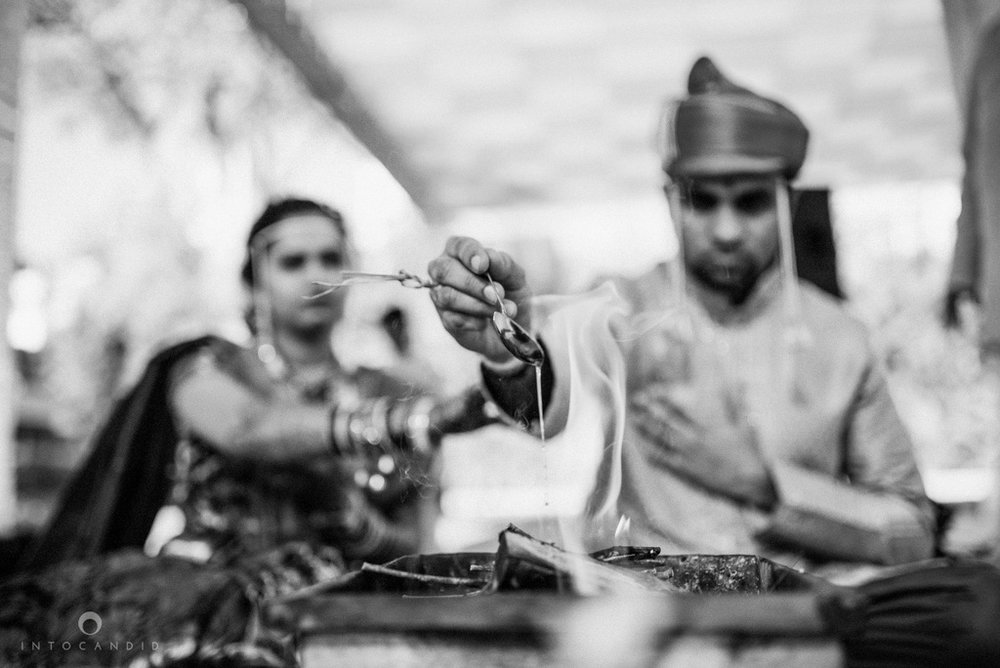 pune_wedding_photographer_intocandid_wedding_photography_ketan_photographer_manasvi_photographer_26.jpg