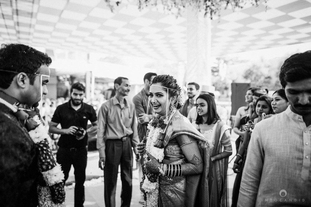 pune_wedding_photographer_intocandid_wedding_photography_ketan_photographer_manasvi_photographer_37.jpg