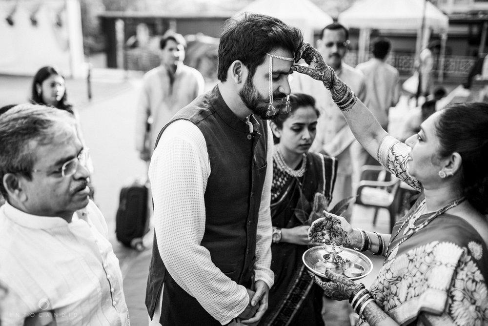 mumbai_wedding_photographer_maharasthrian_wedding_photographer_ta_14.jpg