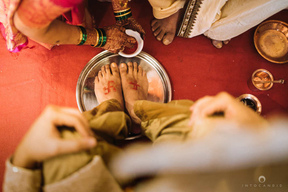 mumbai_wedding_photographer_maharasthrian_wedding_photographer_ta_15.jpg