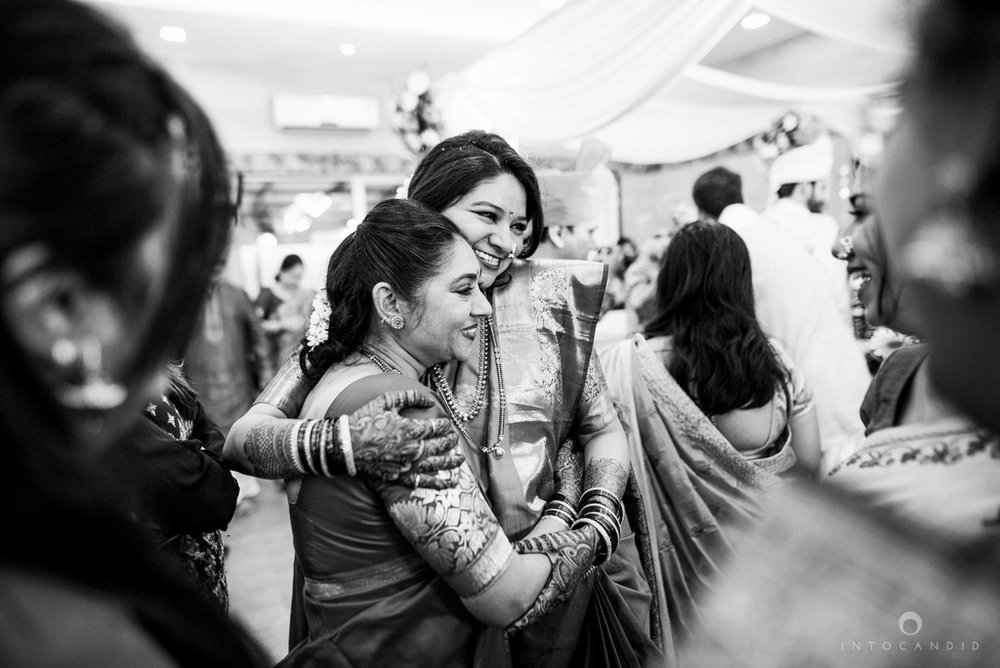 mumbai_wedding_photographer_maharasthrian_wedding_photographer_ta_37.jpg