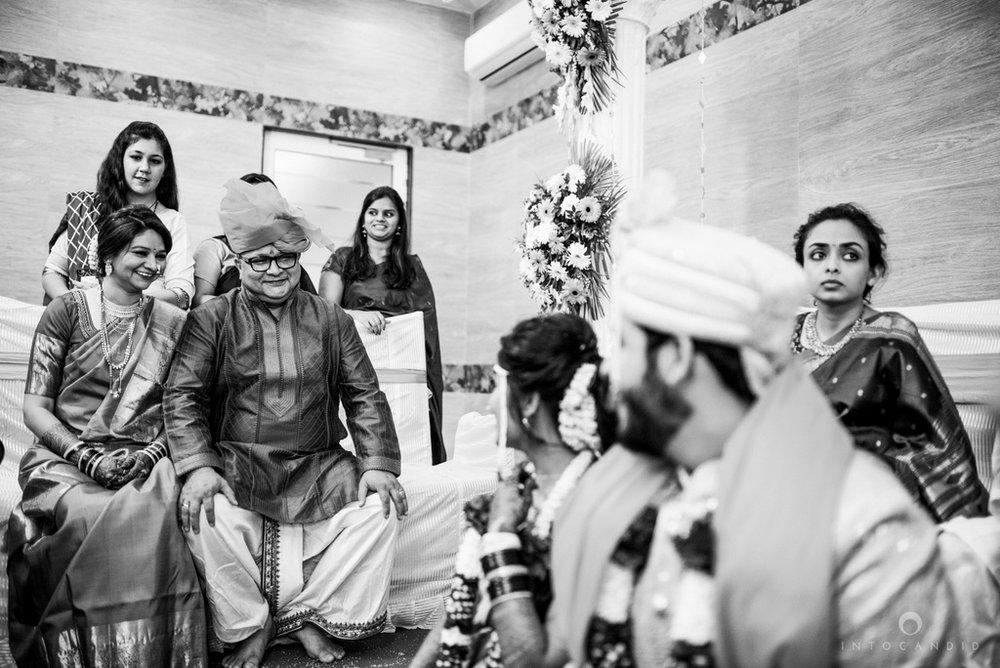 mumbai_wedding_photographer_maharasthrian_wedding_photographer_ta_43.jpg