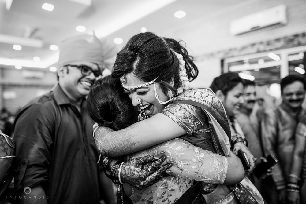 mumbai_wedding_photographer_maharasthrian_wedding_photographer_ta_55.jpg