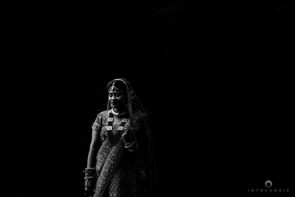 mumbai_wedding_photographer_intocandid_saharastar_ketan_manasvi_ts_012.jpg
