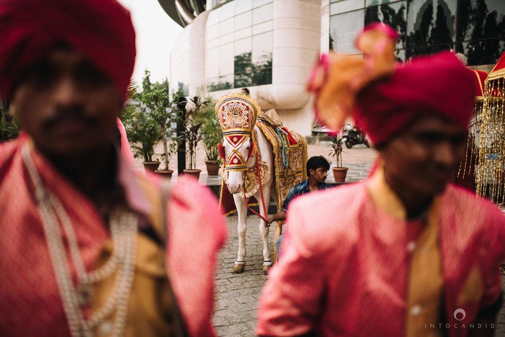 mumbai_wedding_photographer_intocandid_saharastar_ketan_manasvi_ts_014.jpg