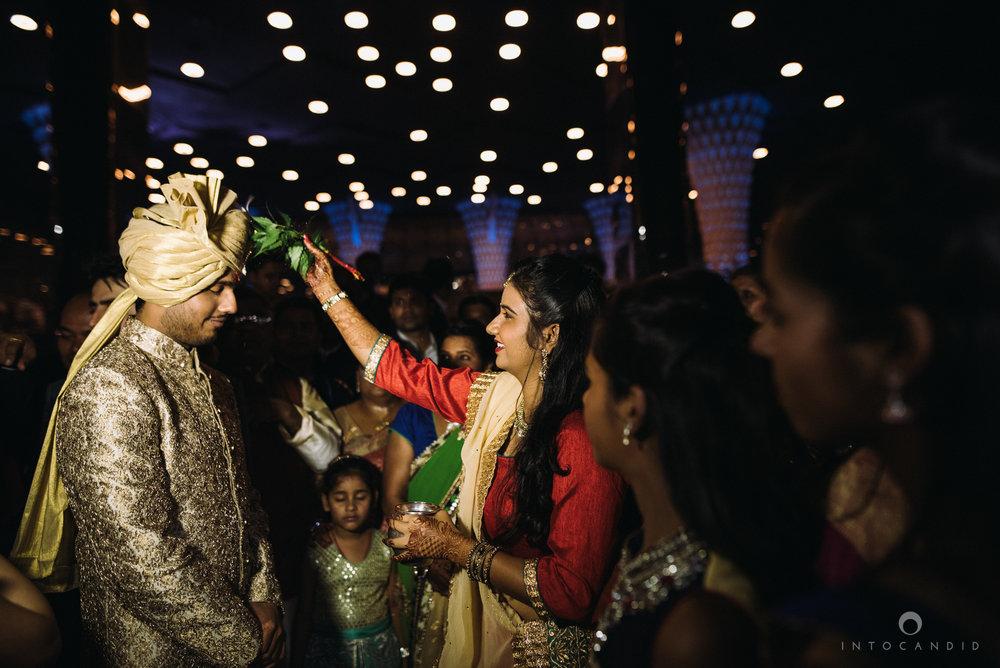 mumbai_wedding_photographer_intocandid_saharastar_ketan_manasvi_ts_018.jpg
