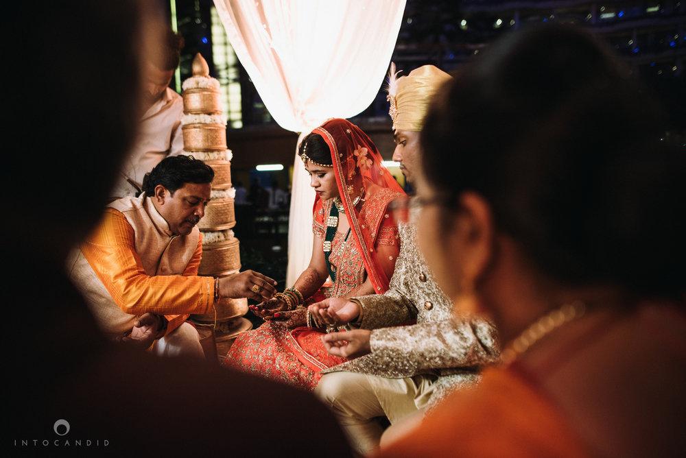 mumbai_wedding_photographer_intocandid_saharastar_ketan_manasvi_ts_022.jpg