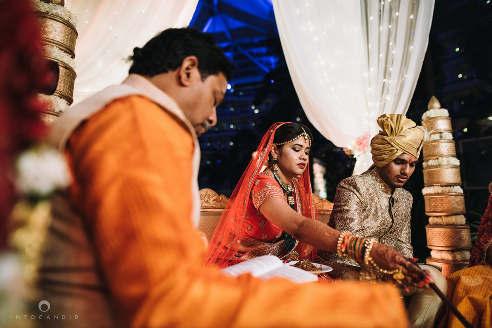 mumbai_wedding_photographer_intocandid_saharastar_ketan_manasvi_ts_025.jpg