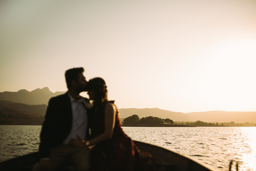 mumbai_wedding_photographer_ketan_manasvi_lonavla_pre_wedding_couple_session_intocandid_photography_08.jpg